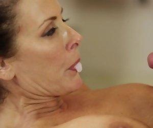Mom Massage XXX